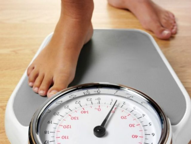Stress gây ra triệu chứng sụt cân