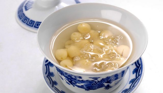 Món ăn chữa mất ngủ từ hạt sen