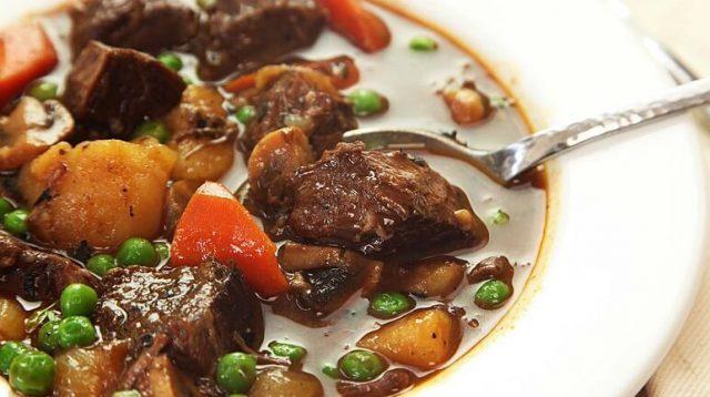 Món thịt bò hầm Đẳng sâm chữa huyết áp thấp