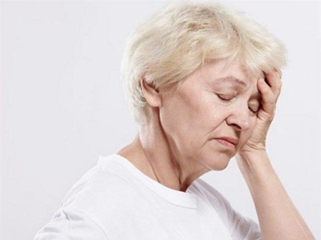 Đau đầu biều hiện người bệnh suy nhược cơ thể