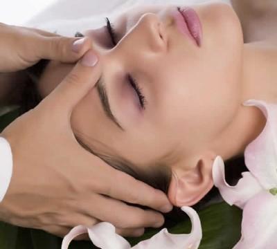 Phương pháp bấm huyệt chữa đau đầu nhanh chóng