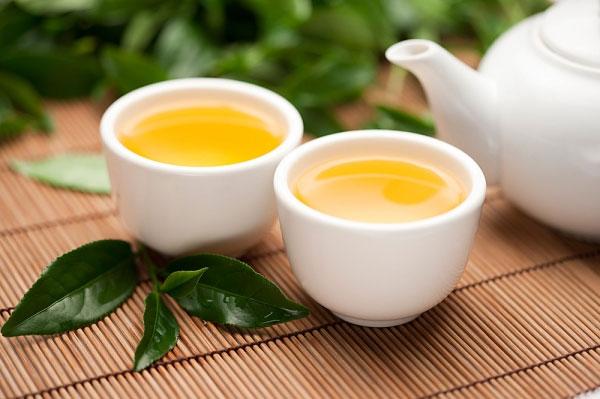 7 thức uống rất tốt khi bị nóng trong người