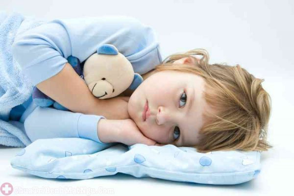 Bé bị khó ngủ do thiếu chất
