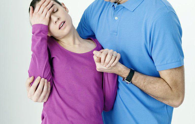 Rối loạn tiền đình có thể gây đột quỵ, mất thăng bằng, ngất xỉu