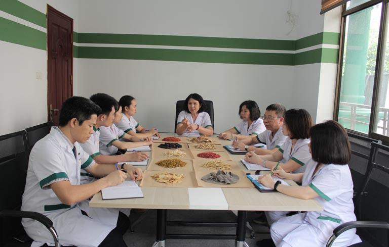 Bác sĩ Quyên tham gia nghiên cứu bài thuốc Định tâm An thần thang