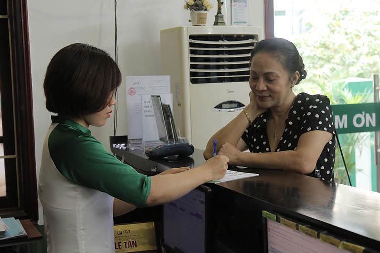 Tìm hiểu thông tin, NS Hương Dung quyết định tới thăm khám tại Trung tâm Thuốc dân tộc